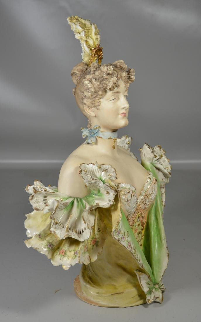 Continental Porcelain Bust of a Woman - 7