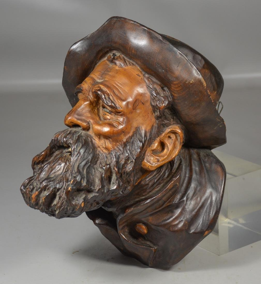 Continental Wood Carved Bust of a Bearded Gentleman - 2