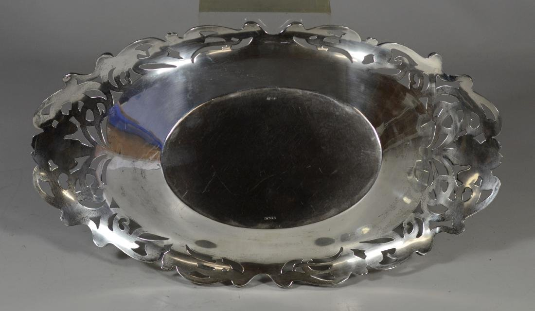 Wm B Kerr sterling silver oval bread dish - 4