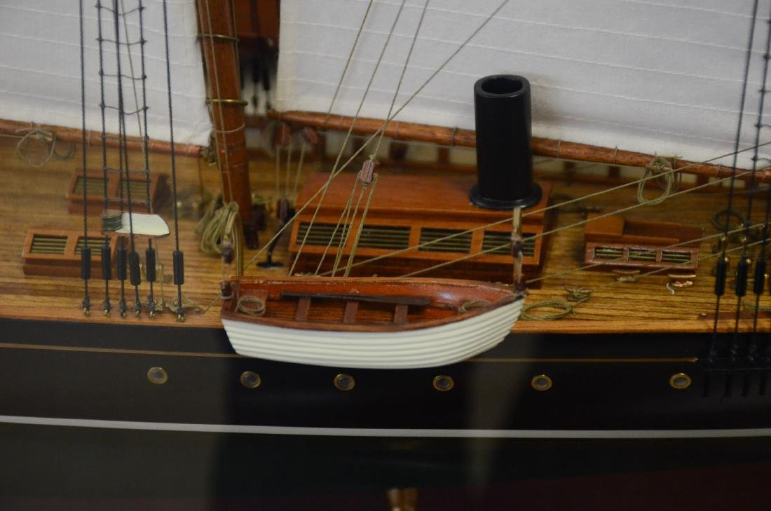 Clipper ship model, custom inlaid mahogany case - 3