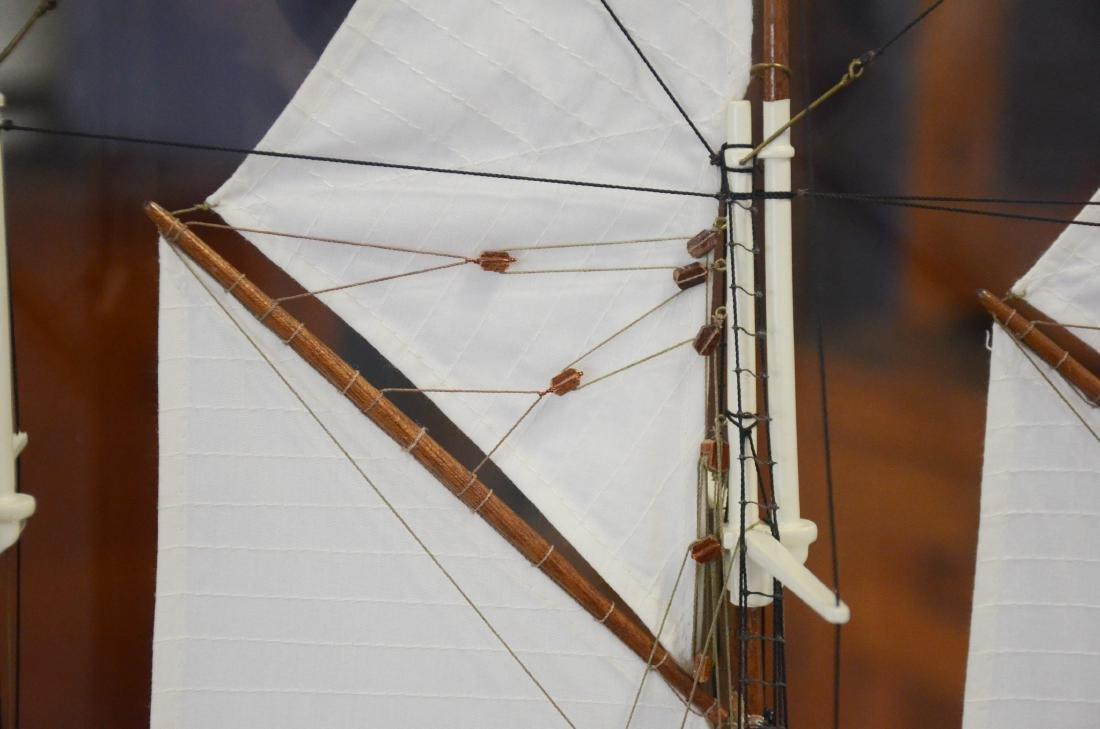 Clipper ship model, custom inlaid mahogany case - 4