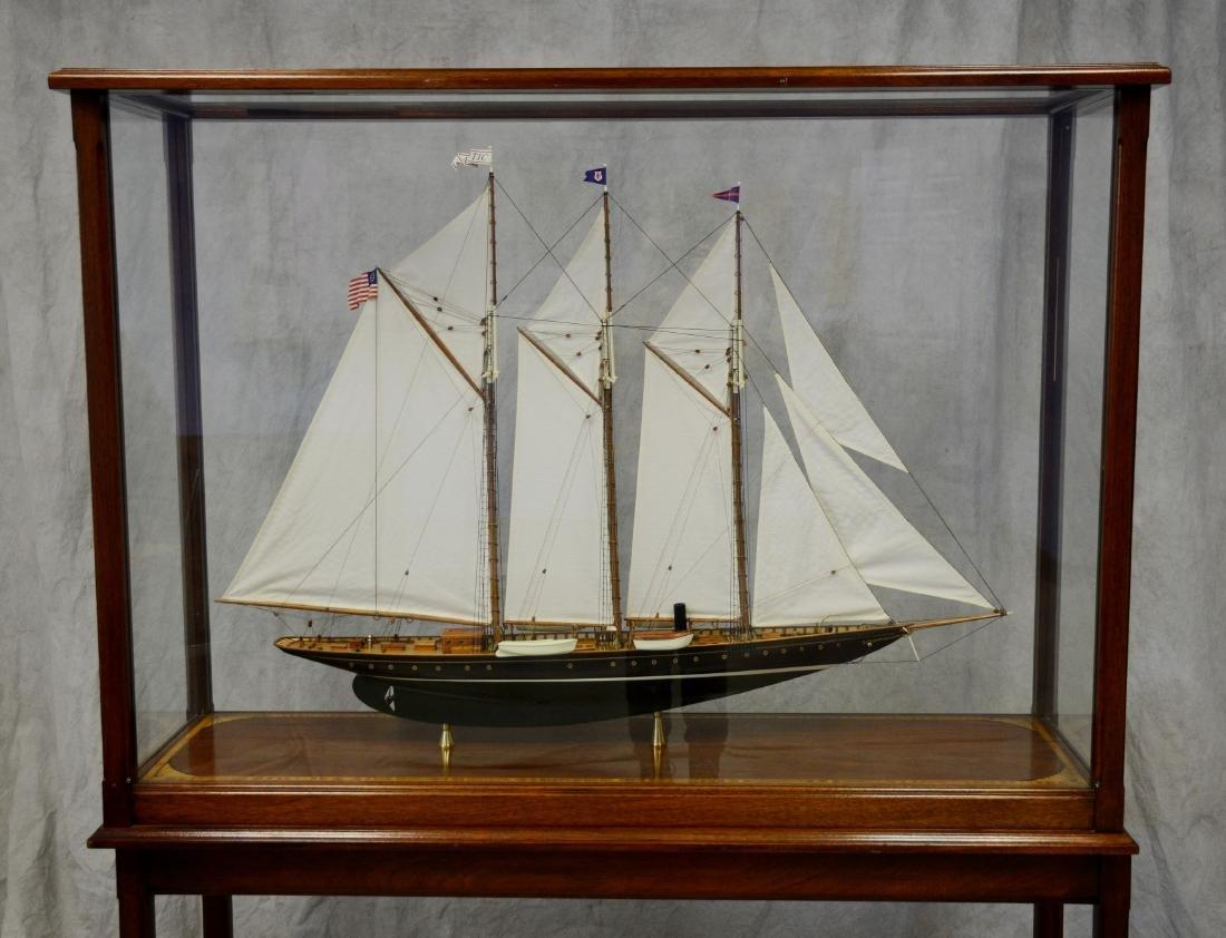Clipper ship model, custom inlaid mahogany case - 8