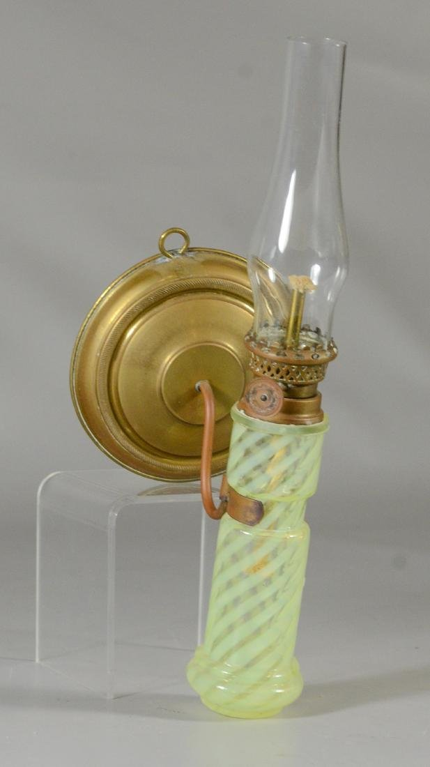 Wall mount oil lamp, spiral opalescent font - 3