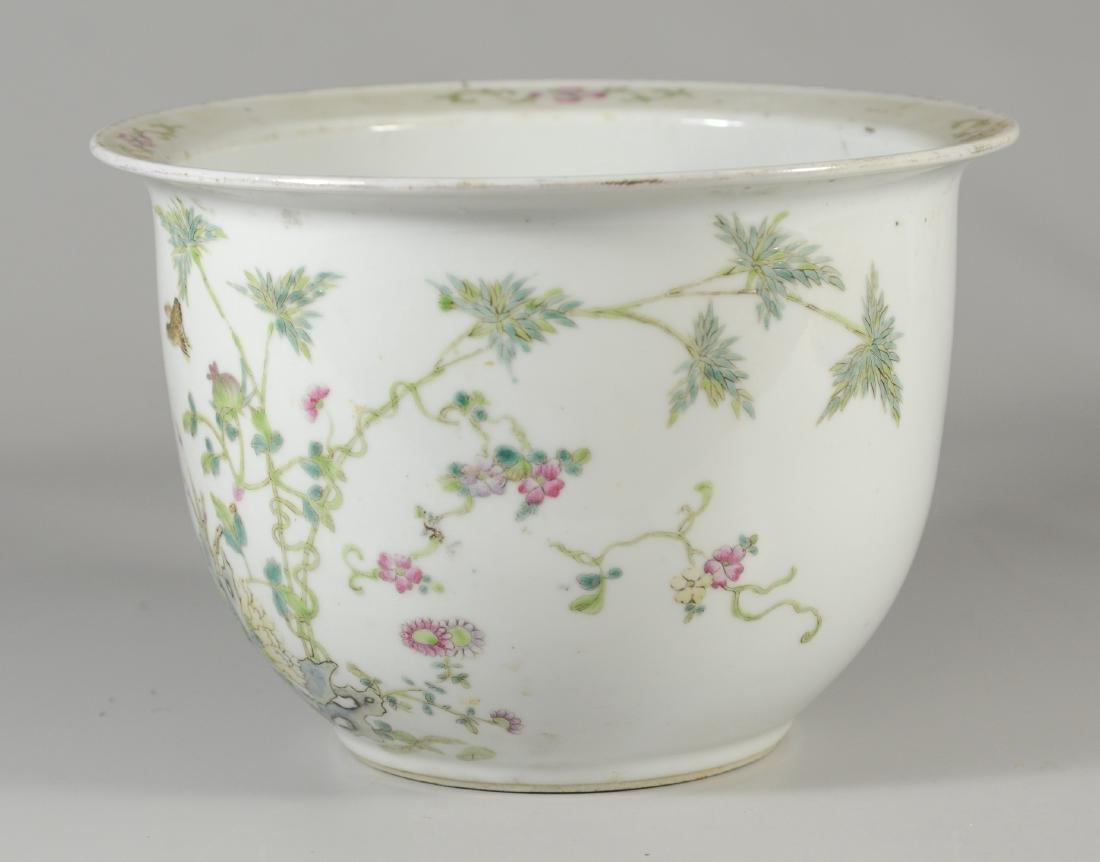 Famille Rose Chinese porcelain planter - 2