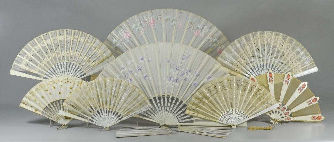 (10) White Victorian Collapsible Fans