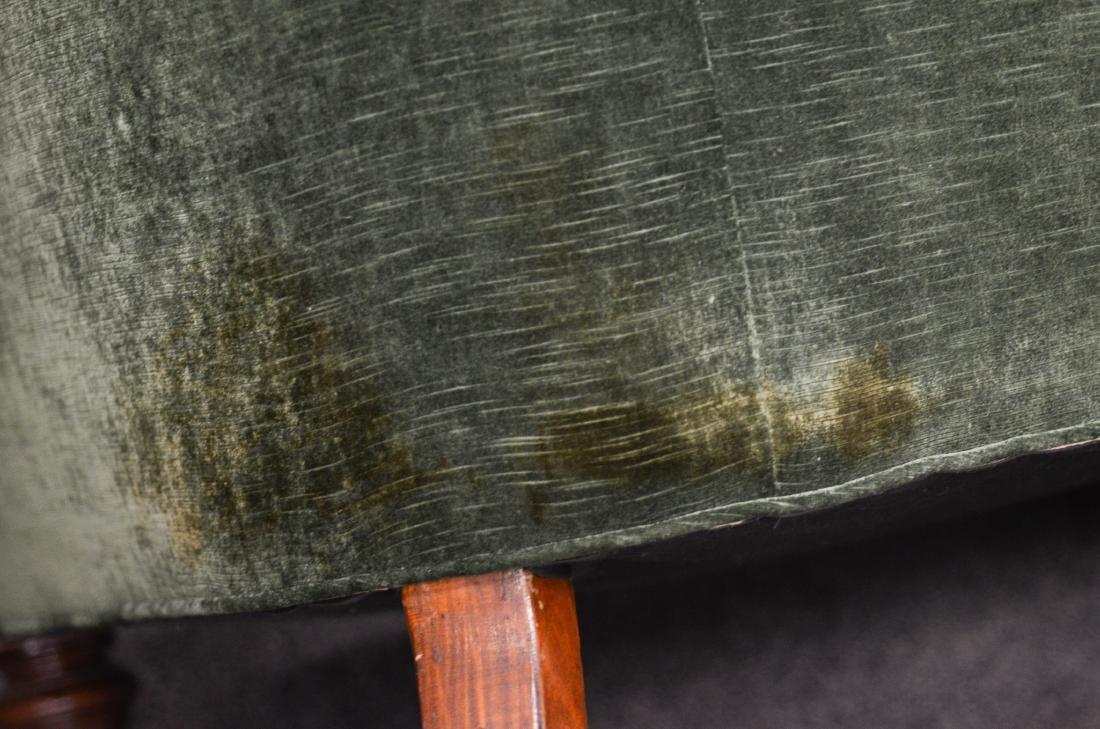 English Tufted Chesterfield Sofa att. Howard & Son - 5