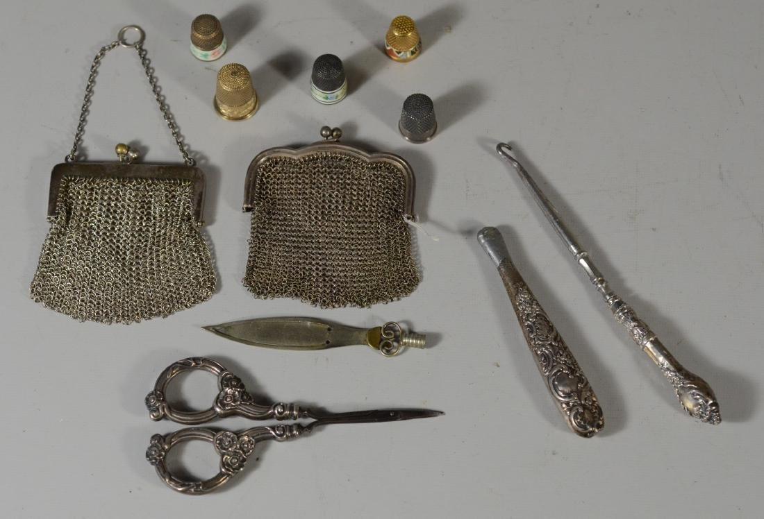 10) items, incl 5 thimbles, buttonhook, purses, etc