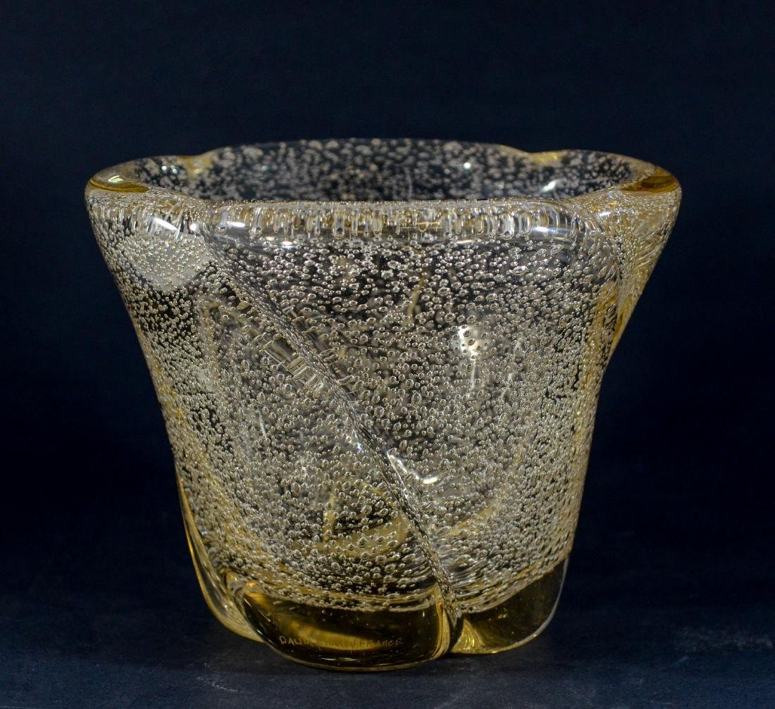 Venetian art glass vase, amber swirl, controlled bubble