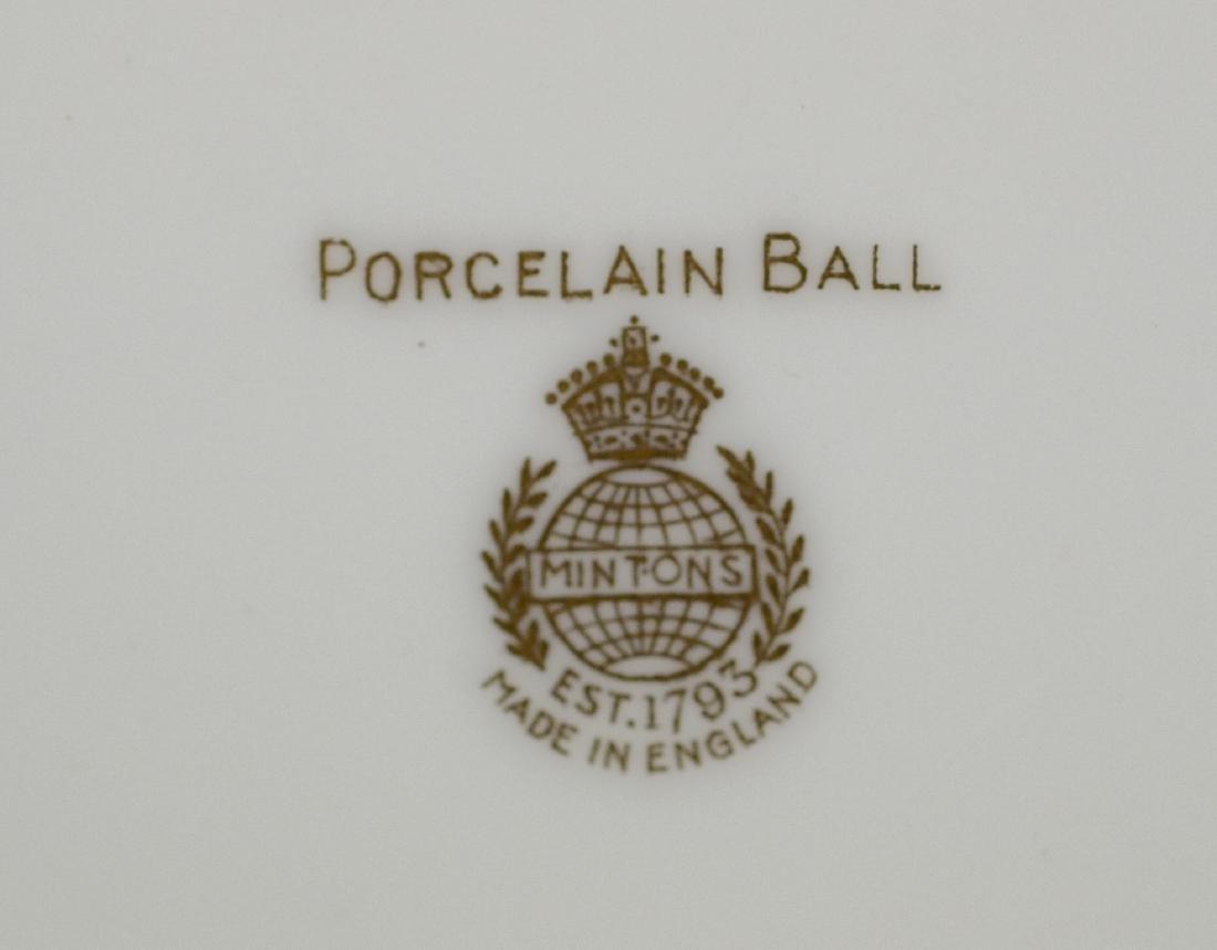 6 Mintons Porcelain Ball pattern service plates - 2