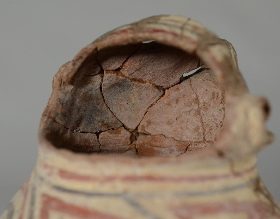 Pre-Columbian figural pot with extensive restoration - 4
