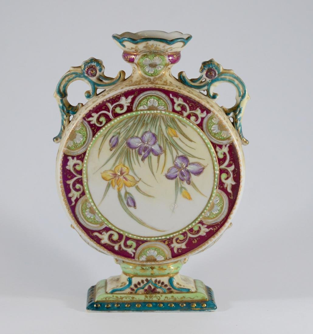 Japanese gilt and floral decorated porcelain drum va