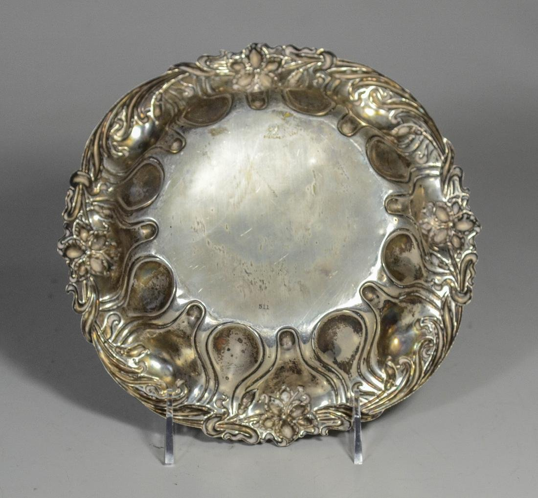 Round sterling silver bowl with repousse border - 2
