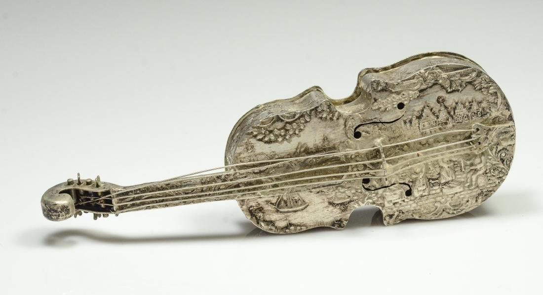 Dutch violin form 833 silver dresser box