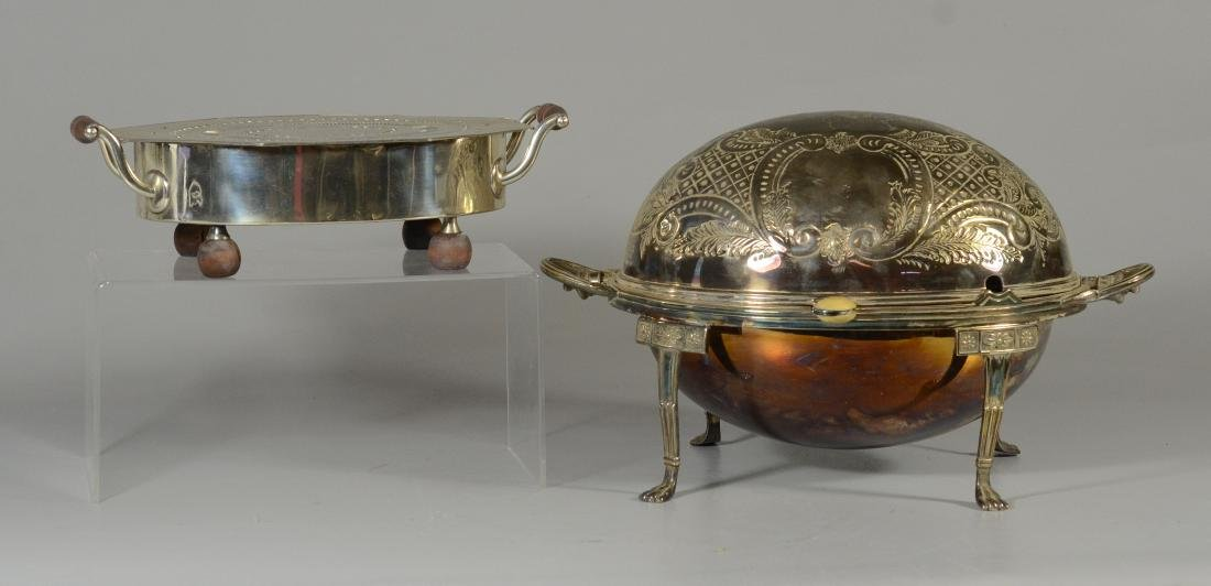 Ovoid silver plated serving dish with revolving top