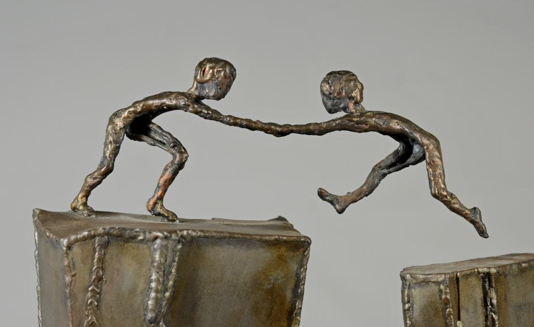 Harold Kimmelman brutalist sculpture of two children - 2