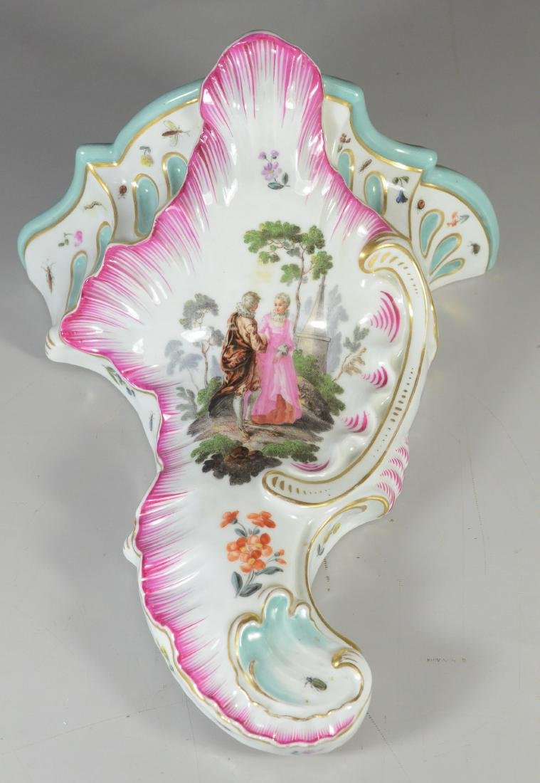 "Wallendorf-type porcelain ""pictorial"" wall bracket"