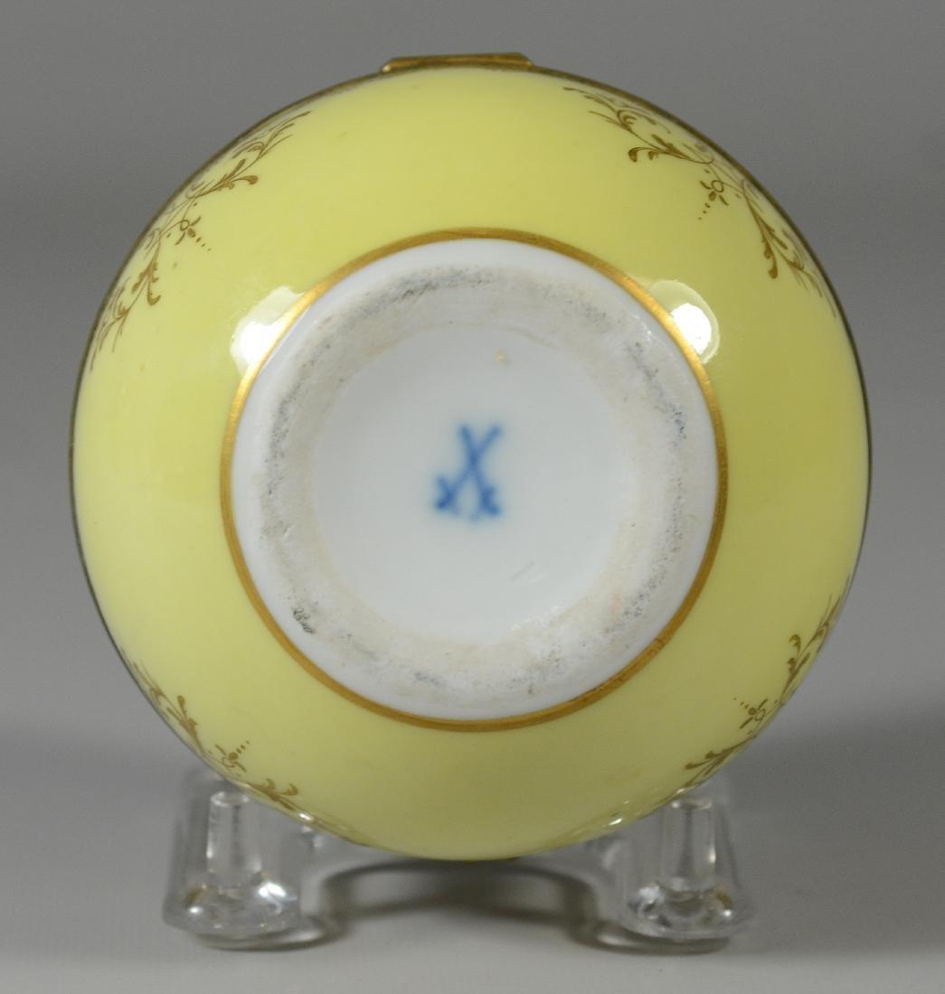 Meissen circular porcelain box, maiden with child - 3