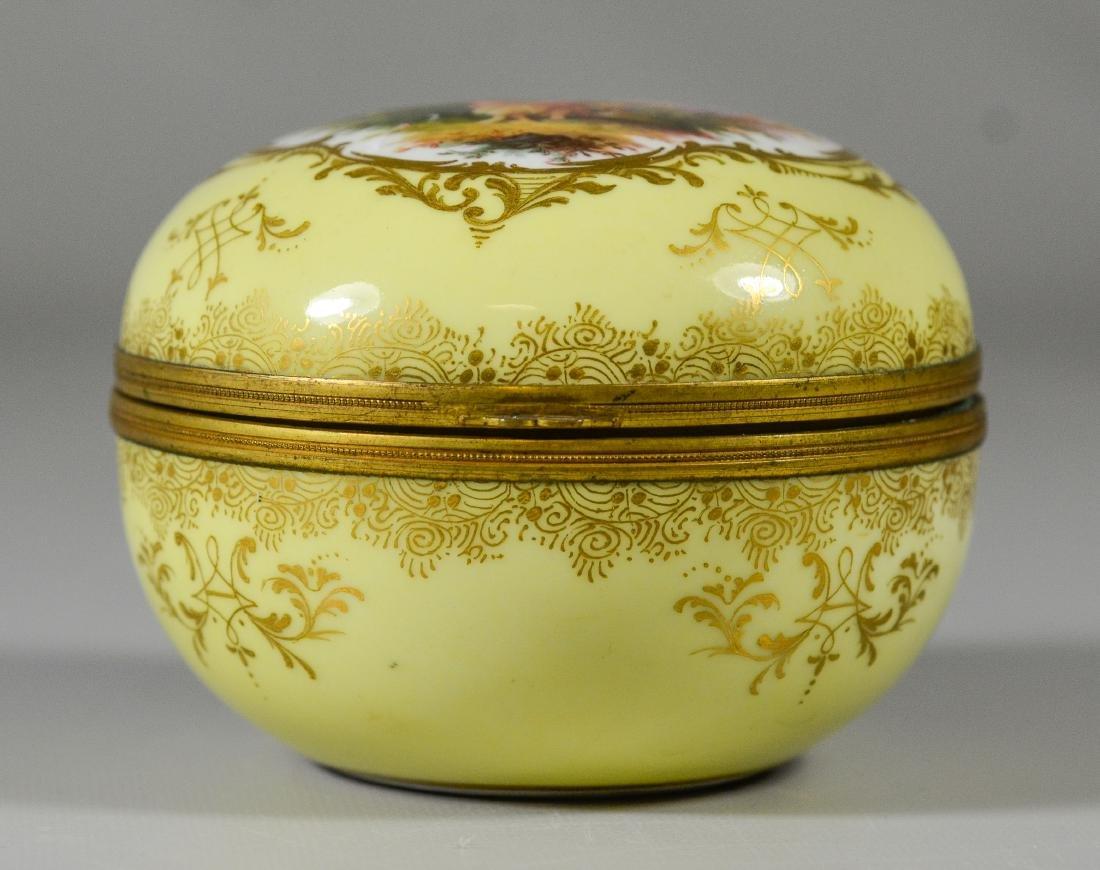 Meissen circular porcelain box, maiden with child - 4