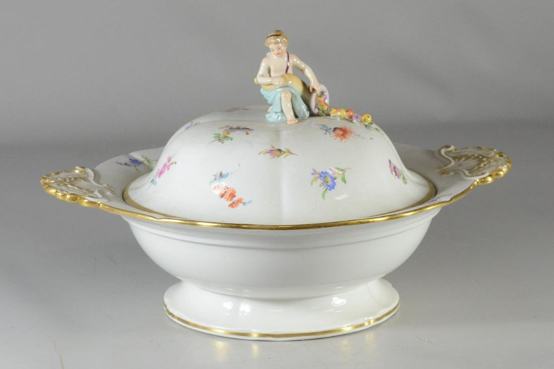 Meissen porcelain round covered entree dish