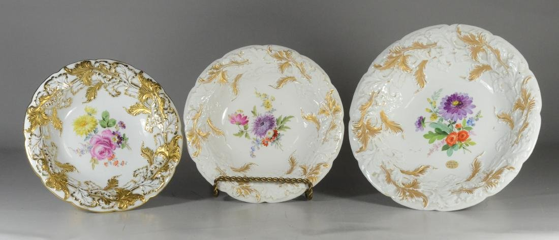 Two graduated Meissen porcelain compotes & plate - 2
