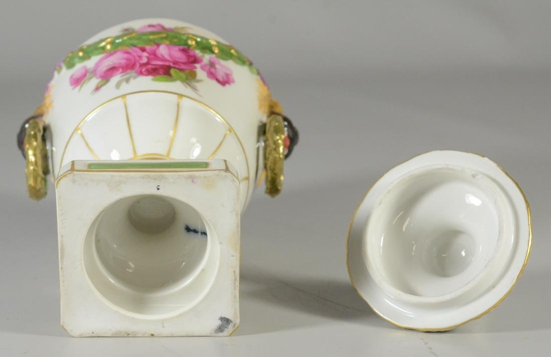 Berlin porcelain covered urn, early 20th C - 3