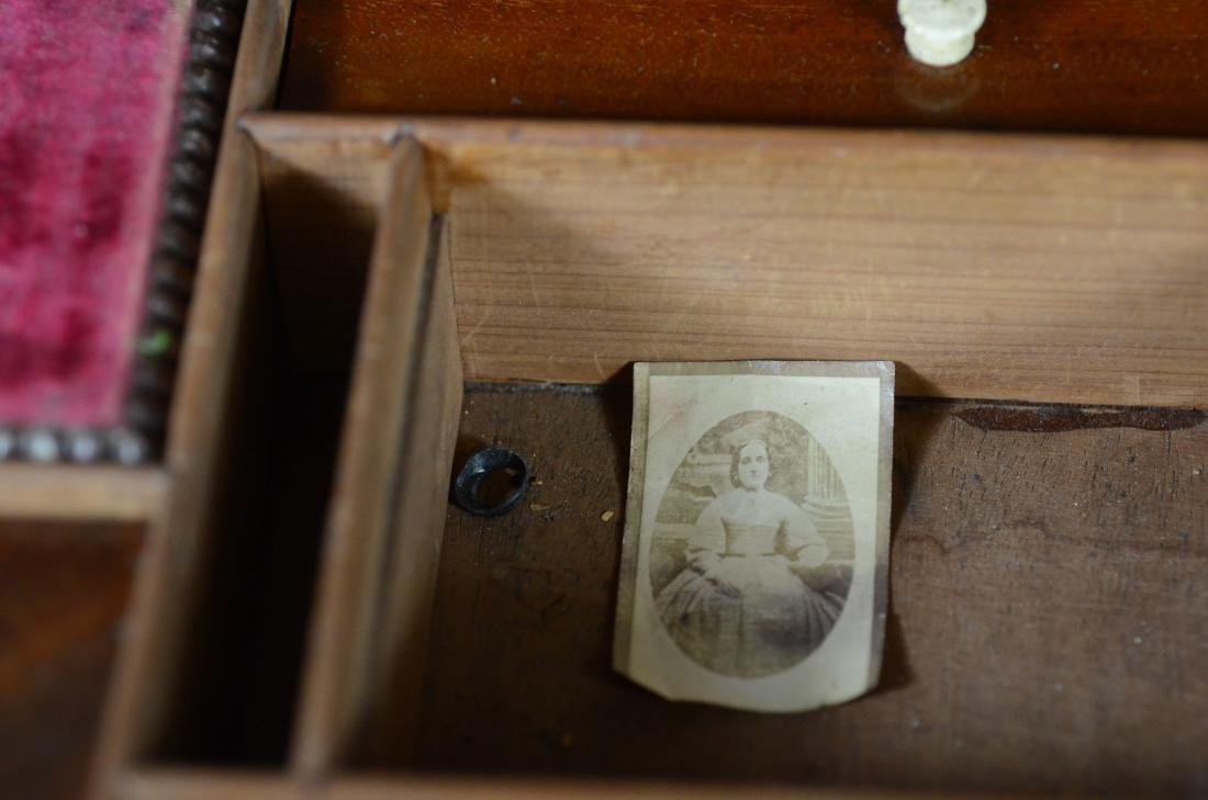 Mahogany sarcophagus form sewing box - 10