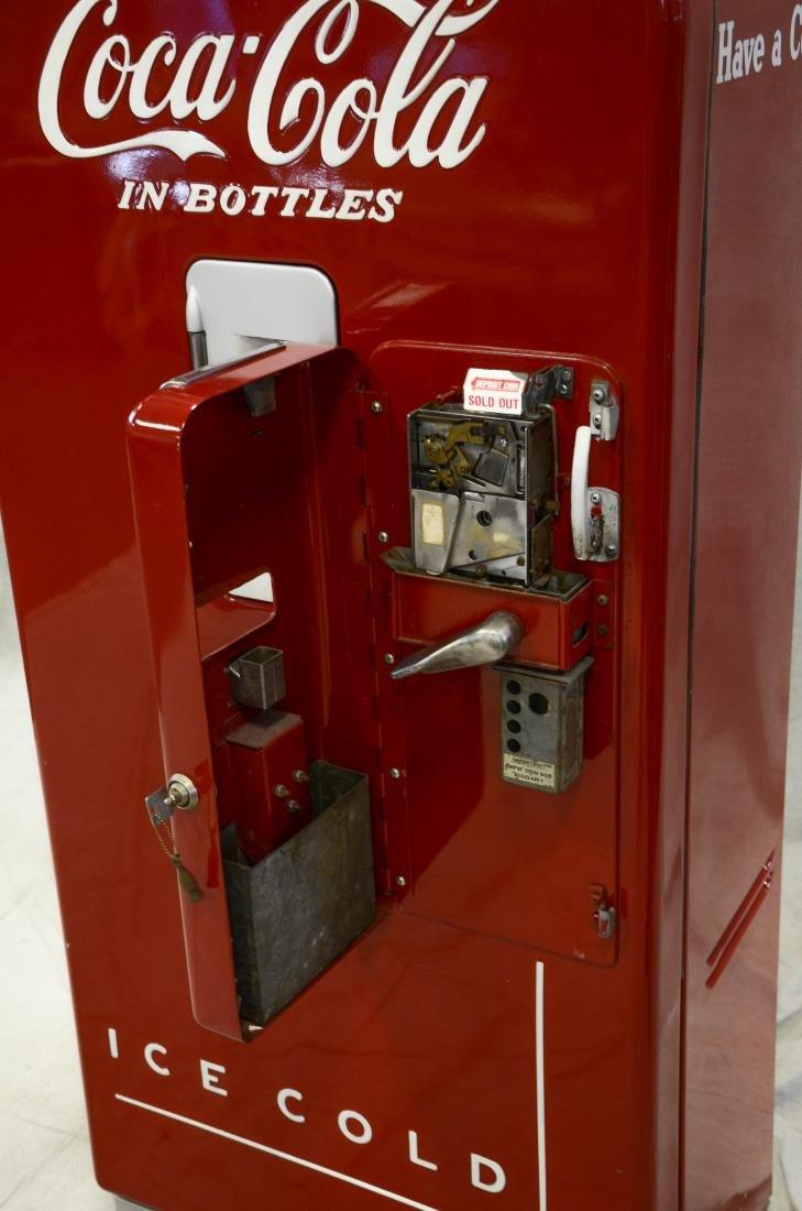 "Vintage ""Vendo 39"" 10 cent Coca Cola vending machine - 4"