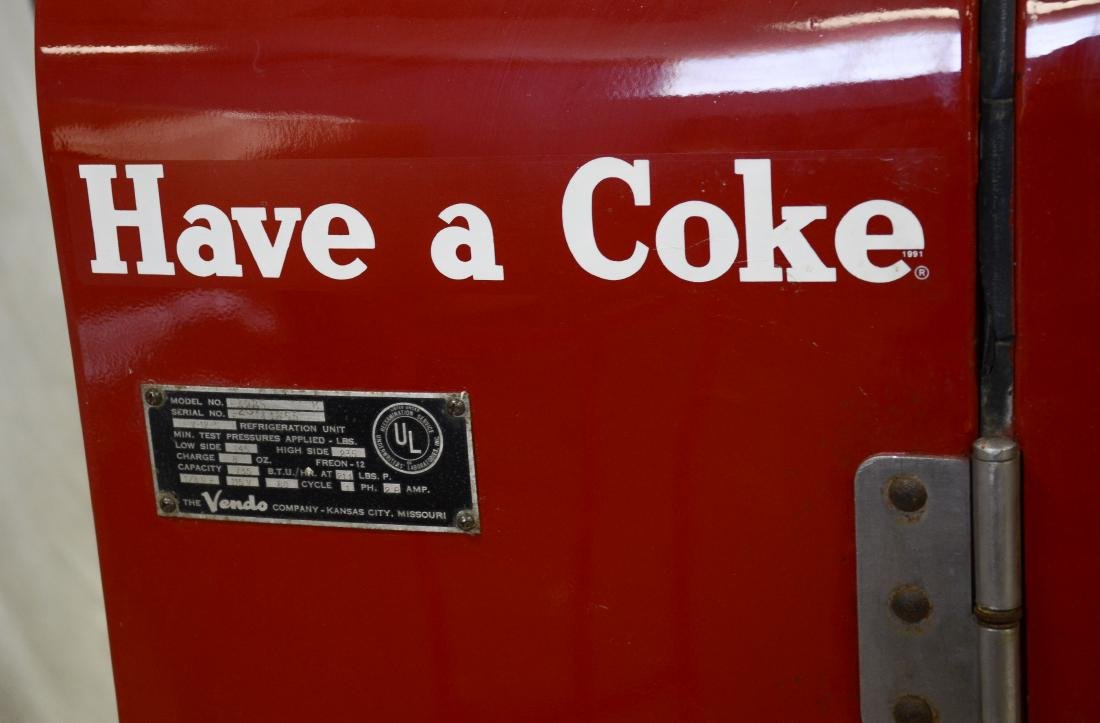"Vintage ""Vendo 39"" 10 cent Coca Cola vending machine - 9"