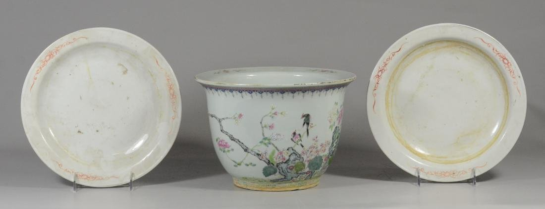 Chinese porcelain Famille Rose jardiniere