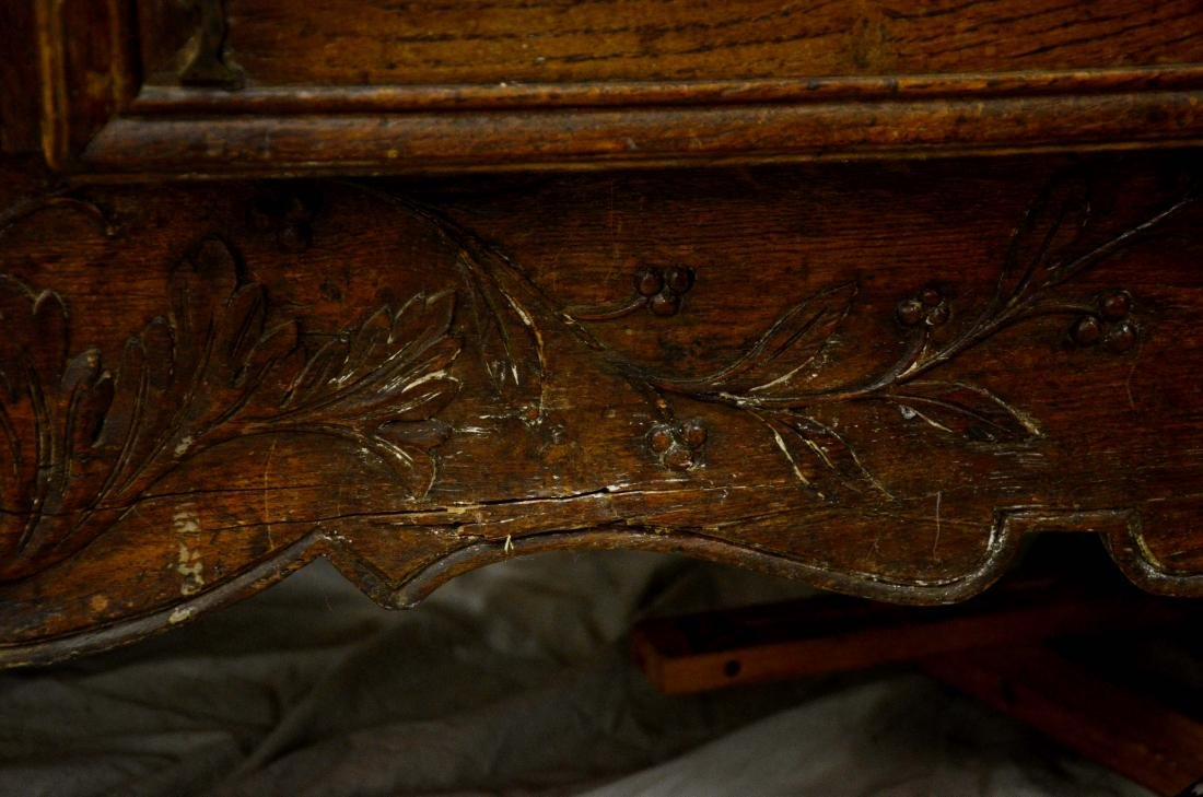 French Provincial carved oak buffet, 18th c, floral - 3