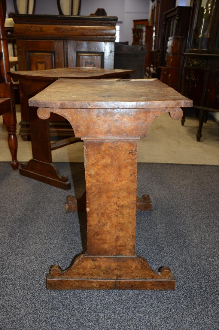 Pr Biedermeier style burl walnut side tables, 19th c, - 2