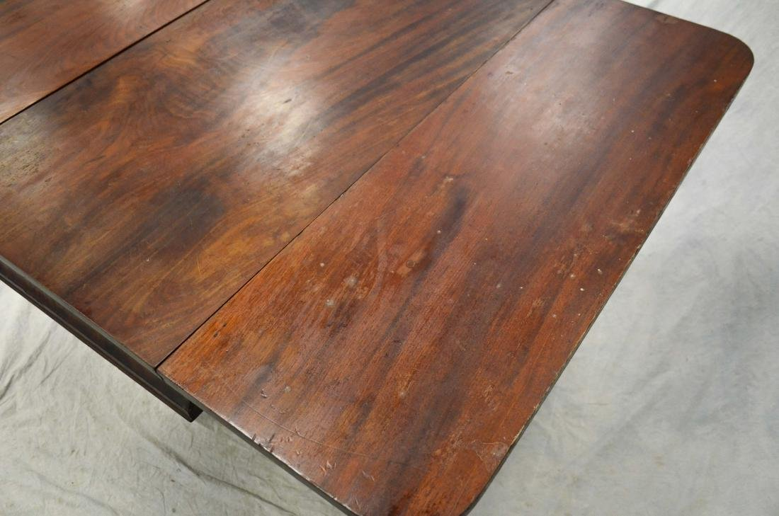 American Federal mahogany dropleaf table,  c 1830-40 - 4