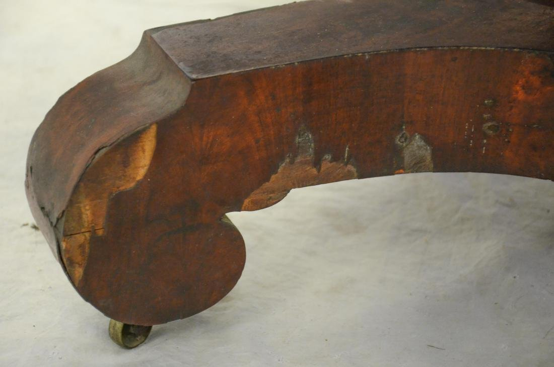 American Federal mahogany dropleaf table,  c 1830-40 - 6