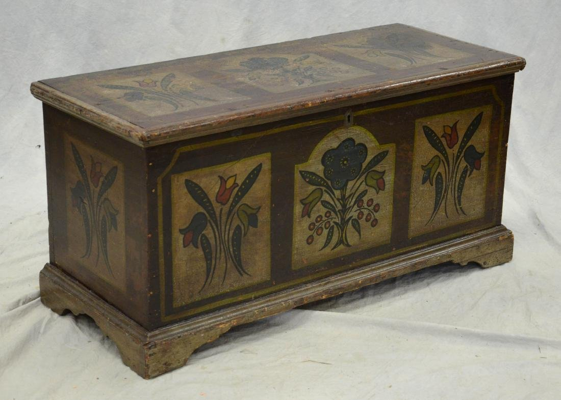 Pine painted dower chest, tulip decoration
