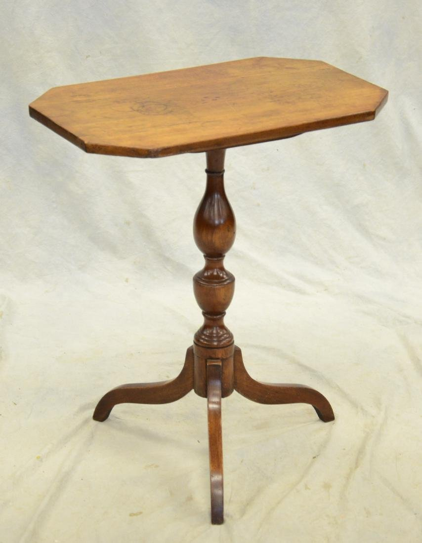 American Federal cherry tilt top candlestand, c 1810