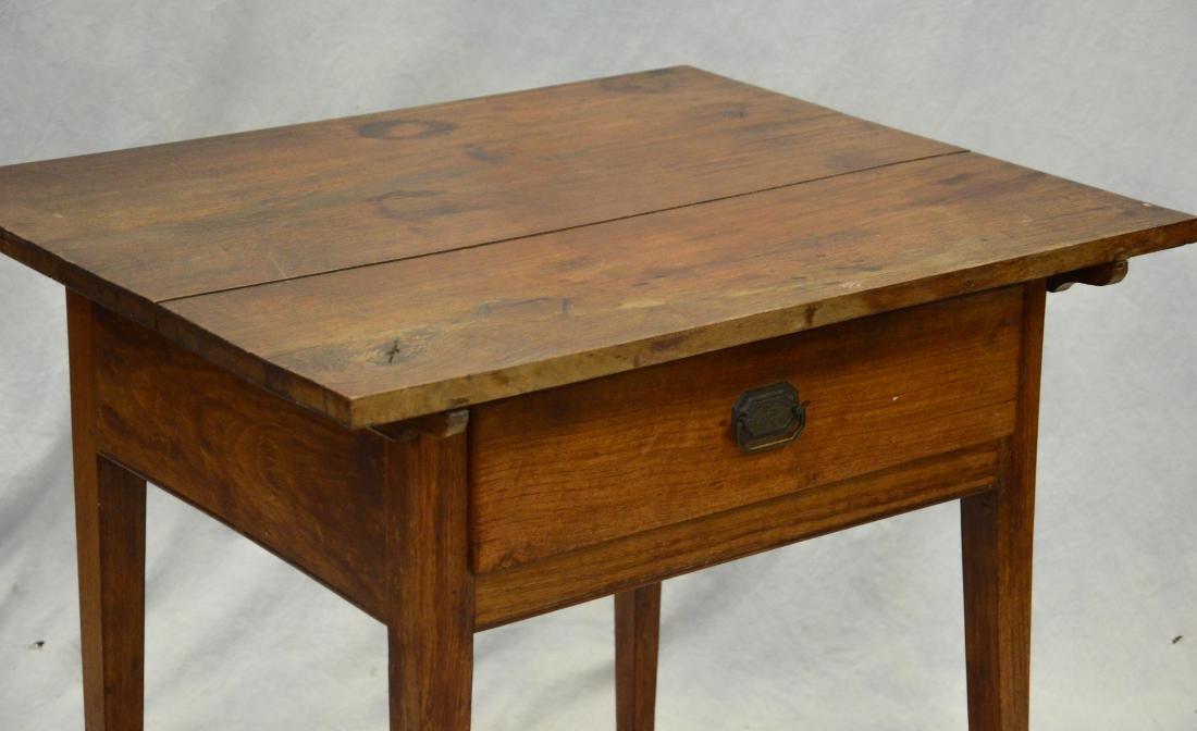 Walnut Hepplewhite  one drawer stand, c 1800-20