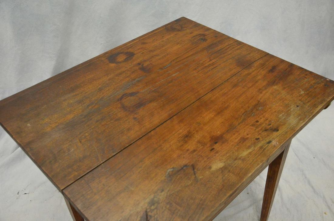 Walnut Hepplewhite  one drawer stand, c 1800-20 - 2