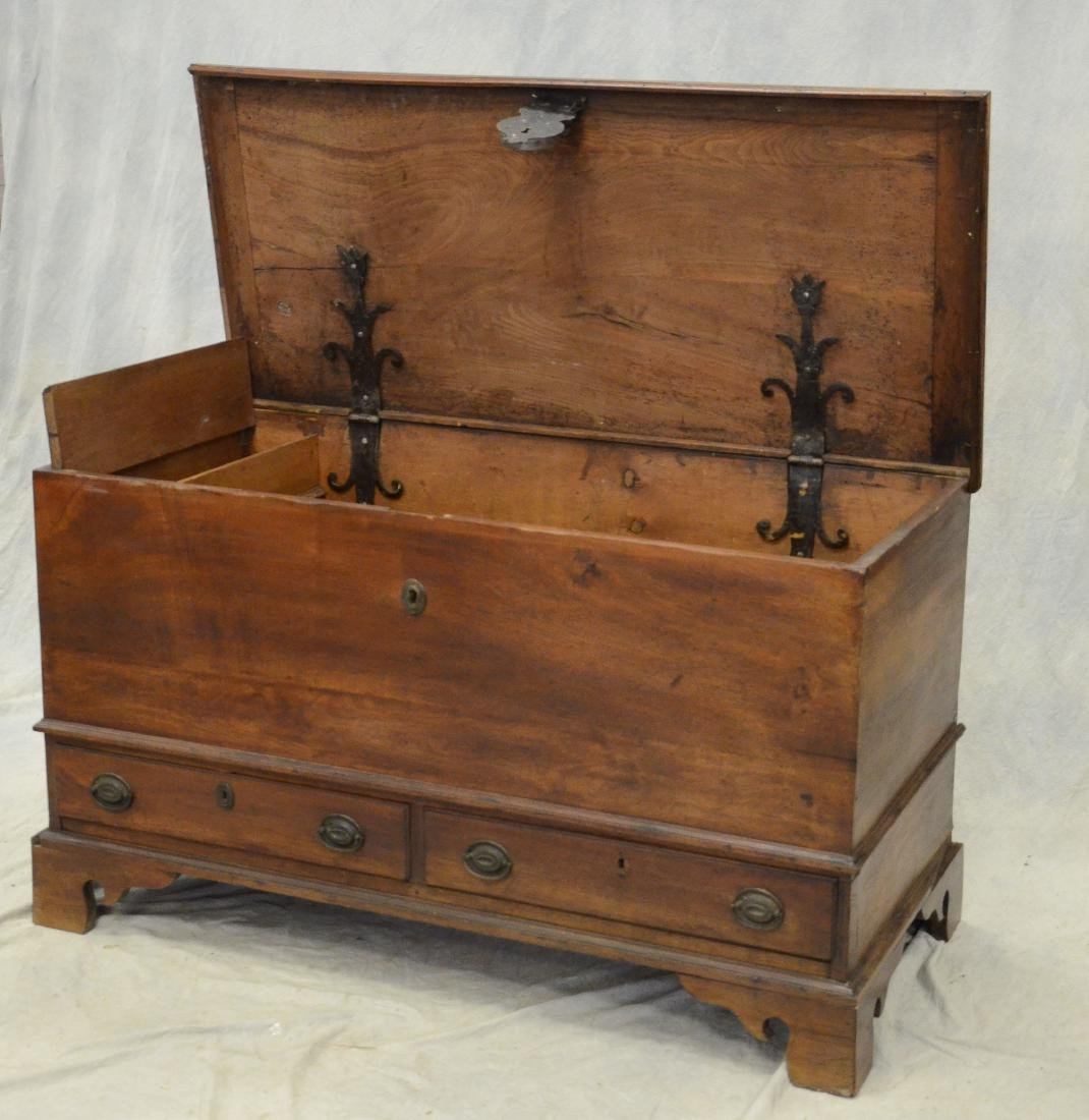 Walnut Chippendale 2 drawer blanket chest, c 1780 - 3