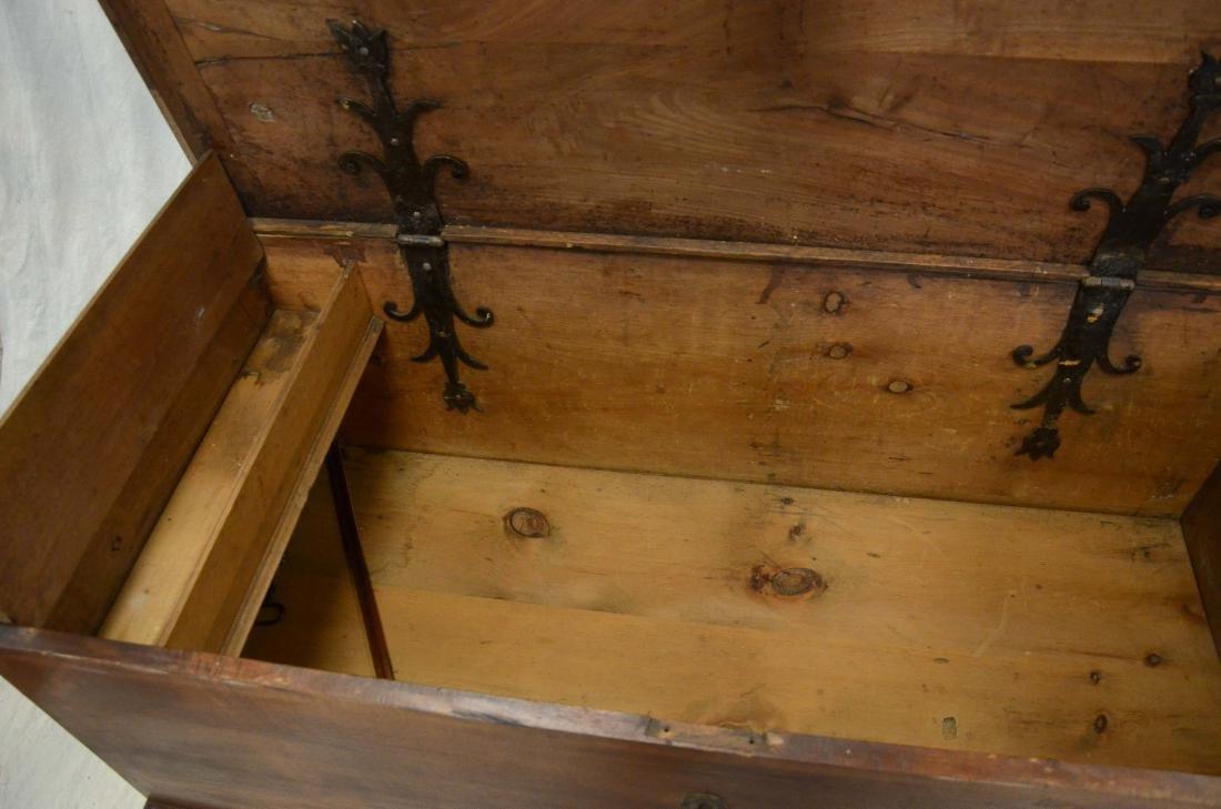 Walnut Chippendale 2 drawer blanket chest, c 1780 - 4