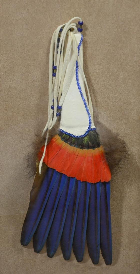 "Vintage Native American headdress in shadowbox, 25"" - 4"