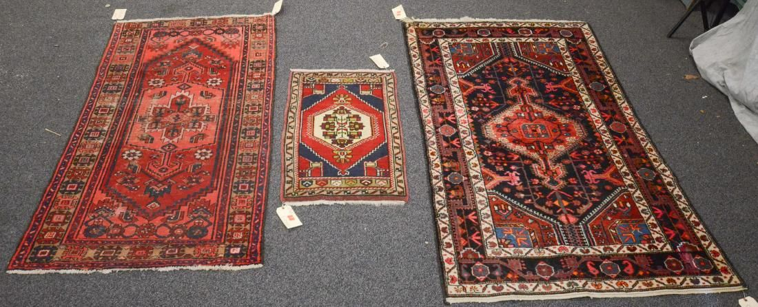 "Lot of 3 rugs 3'2""x6'2"",1'10""x3'3"",3'9""x6'7"""