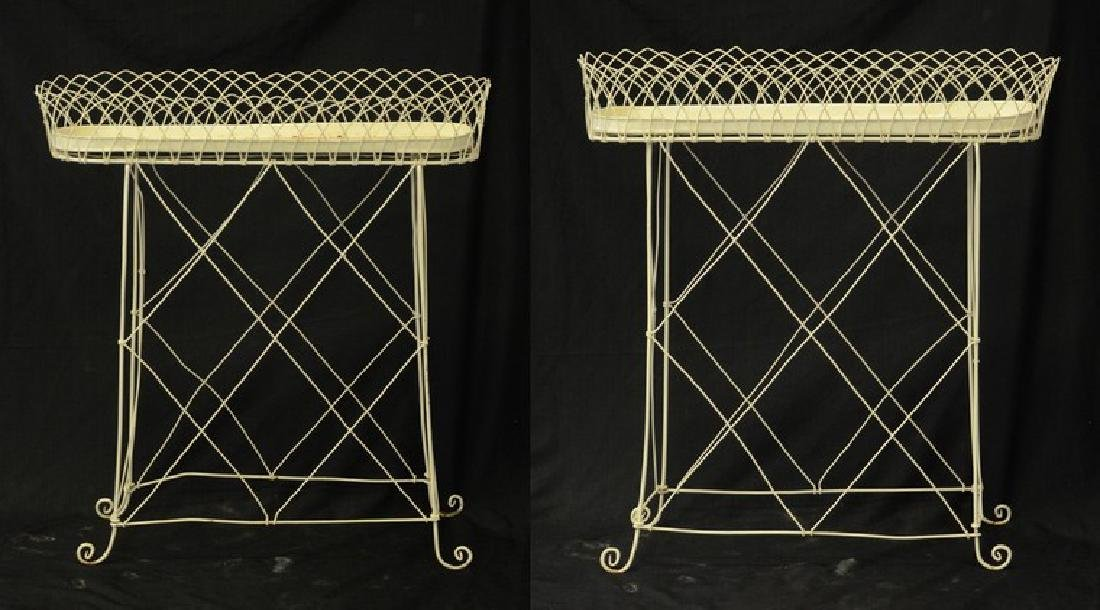 Pr oval French style wire planters