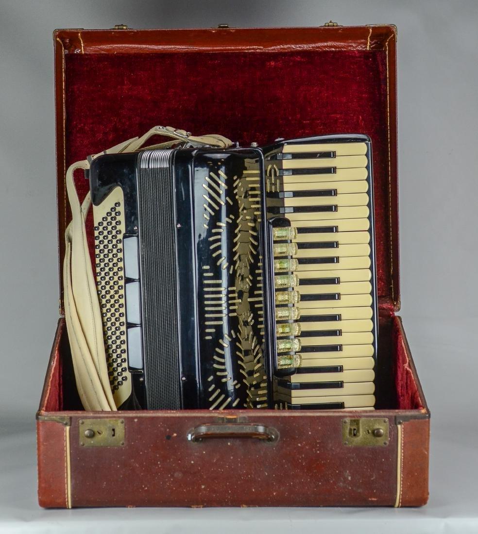 Giulietti accordion, model F23