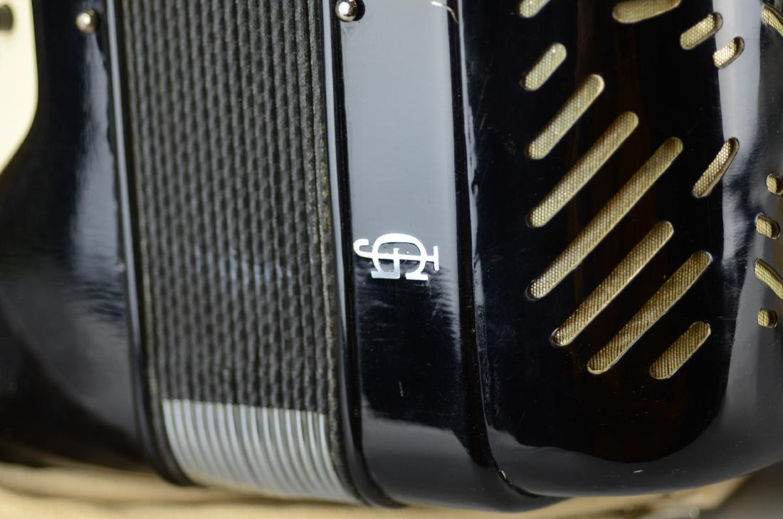 Giulietti accordion, model F23 - 4