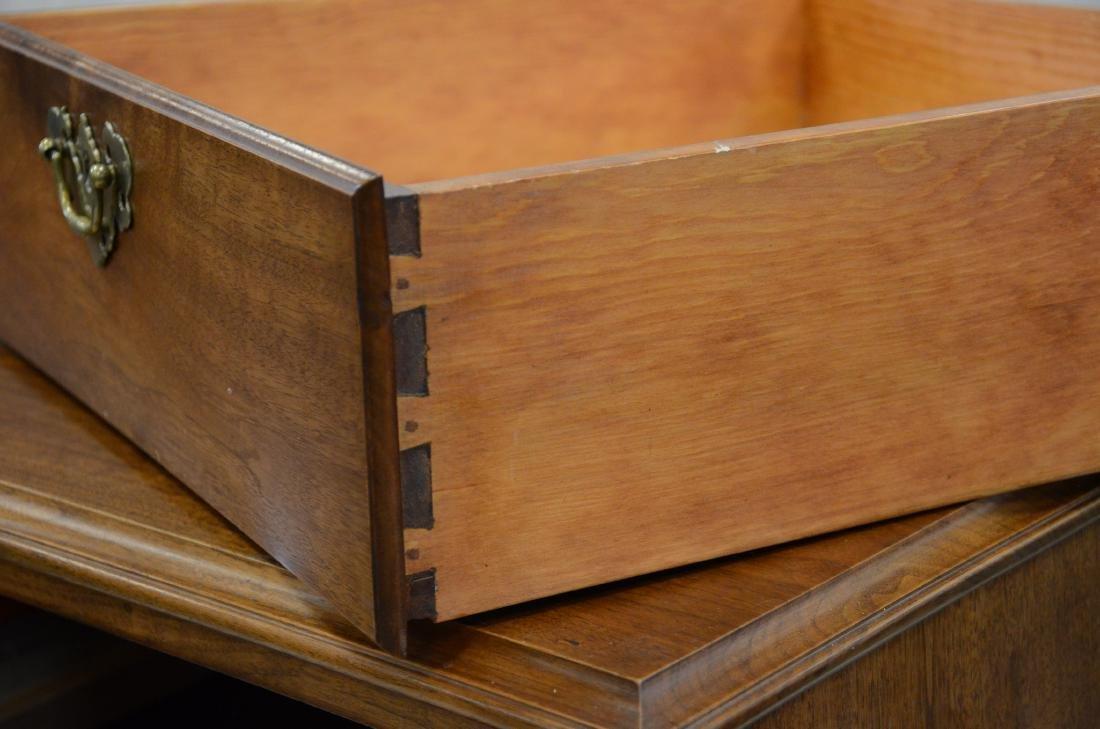 Georgian style chest of drawers, block feet, 2 drawers - 2