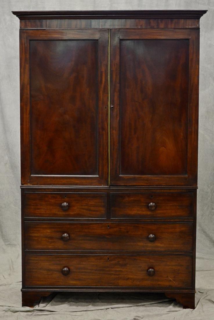 Georgian style mahogany wardrobe - 2