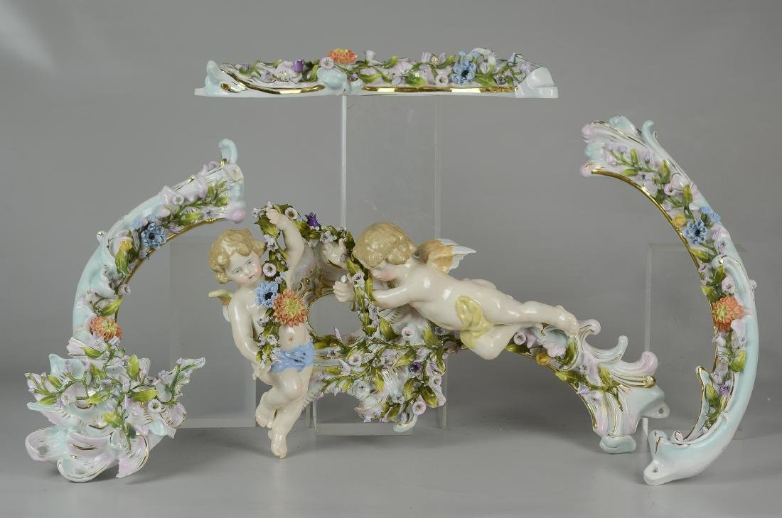 4-Piece porcelain wall hanging with cherubs