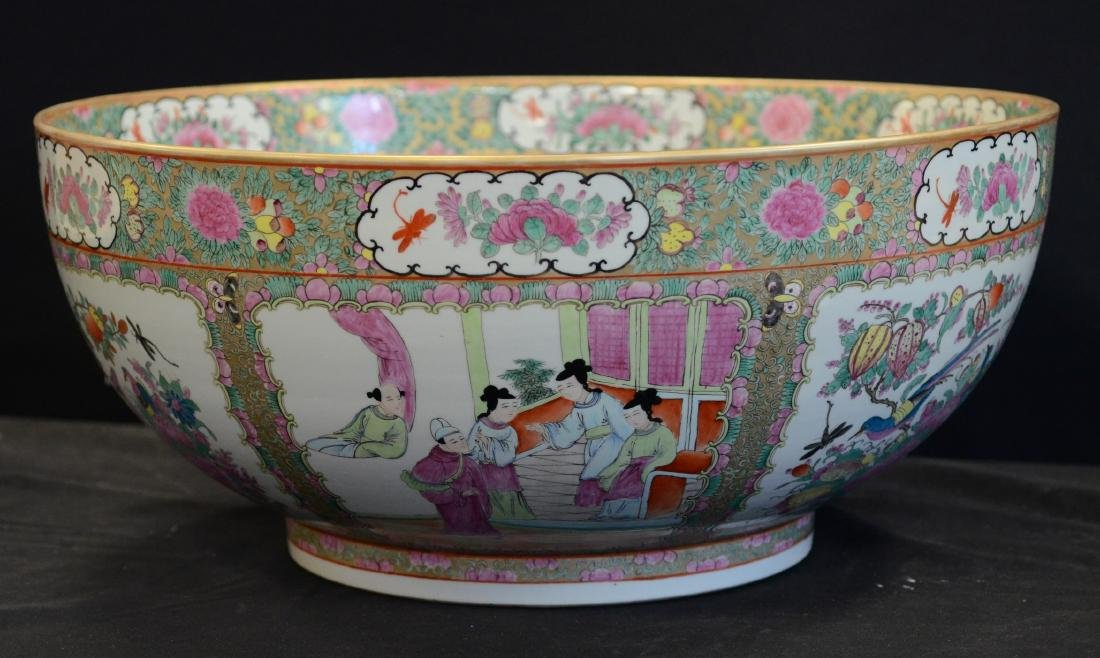 Chinese porcelain Rose Medallion punch bowl