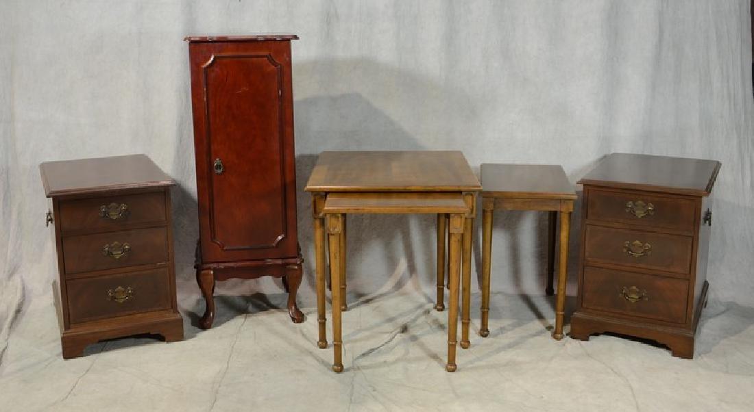 Mahogany finished jewelry cabinet, pair mahogany three