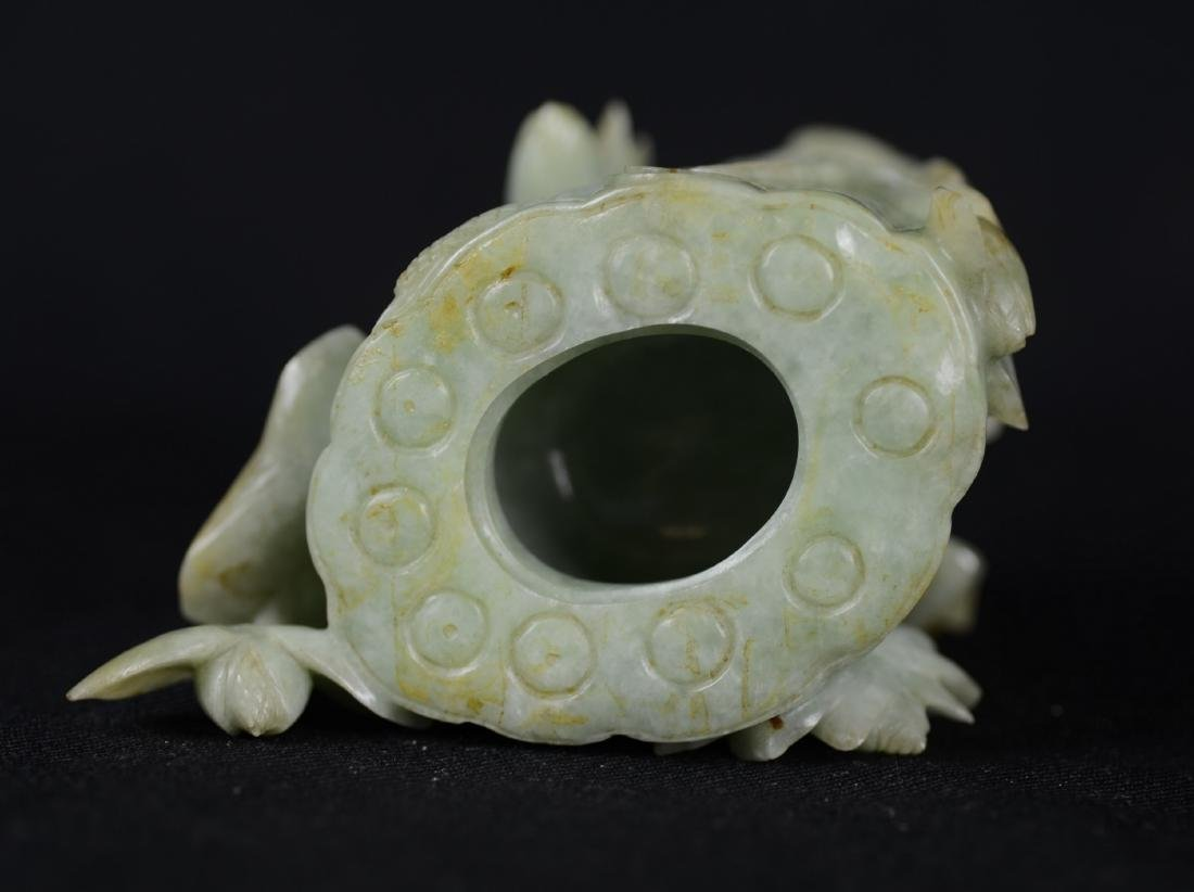 Chinese carved jade urn - 2